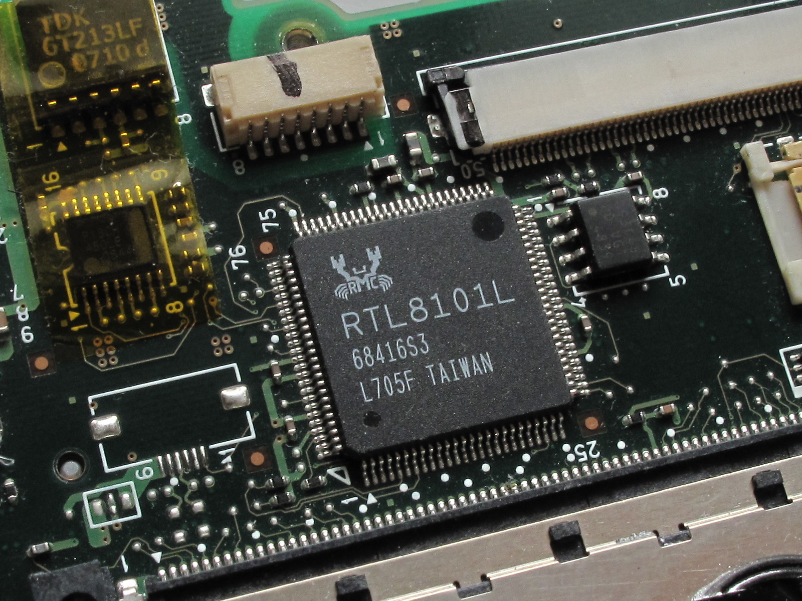 File:realtek rtl8101l fast ethernet controller. Jpg wikimedia commons.