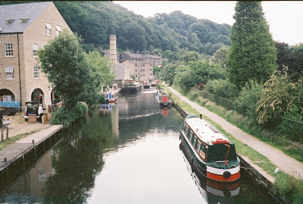 Rochdale Canal at Hebden Bridge - geograph.org.uk - 134773