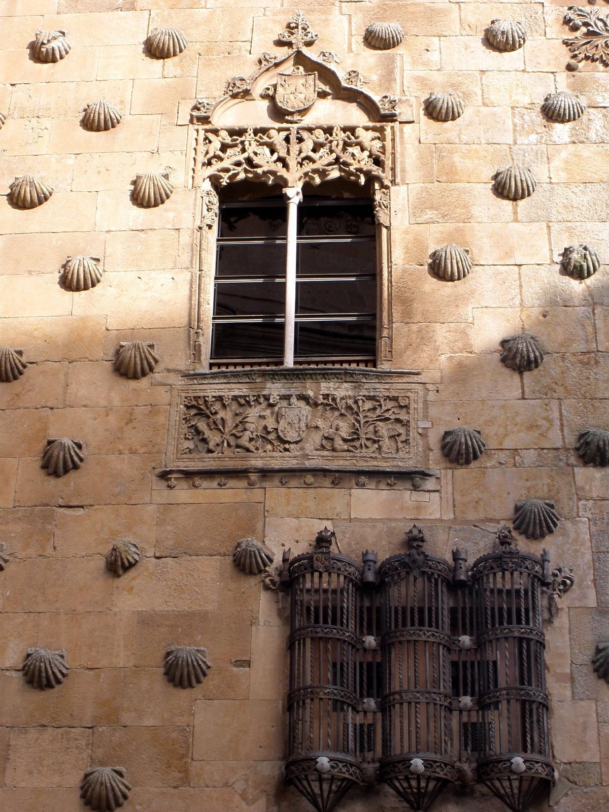 File:Salamanca - Casa de las Conchas 05.jpg