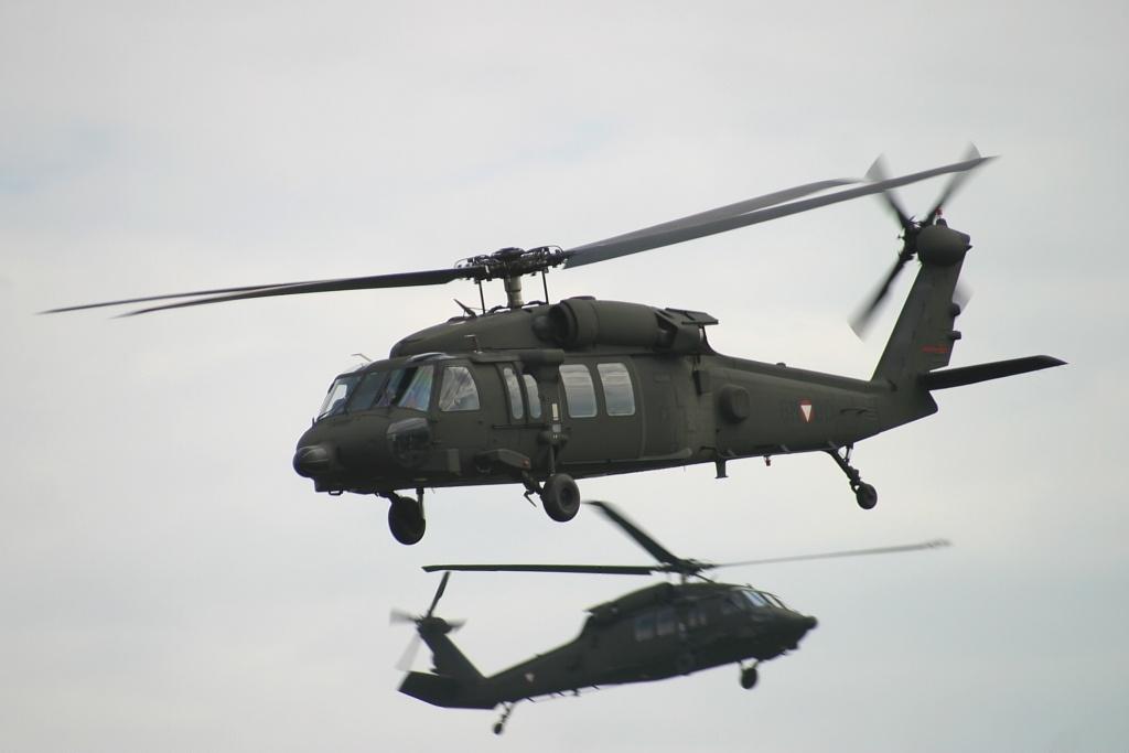 Sikorsky S-70A-42 Black Hawk, Austria - Air Force AN0375050.jpg