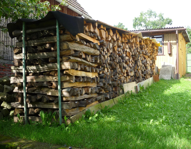 Как сделать поленницу для дров 83