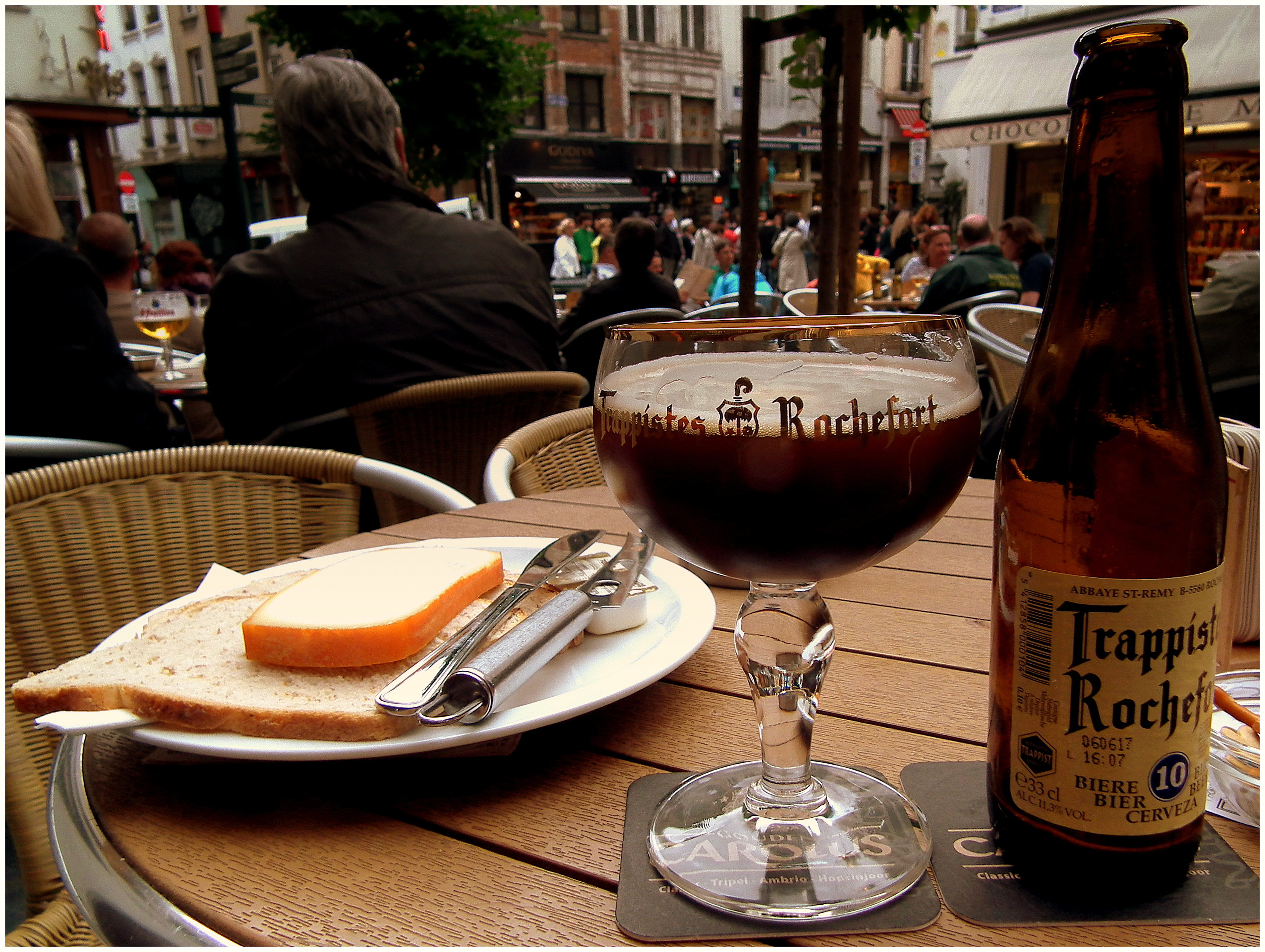 File:TRAPPIST ROCHEFORT BEER AND CHEESE AT THE ...