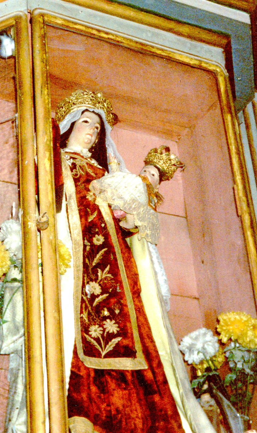 Closer view of the statue of Our Lady of Mount