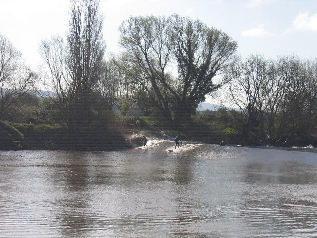 The Severn Bore, downstream from Minsterworth - geograph.org.uk - 46814
