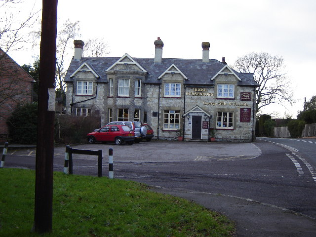 Three Horseshoes Pub, East Worldham - geograph.org.uk - 98787