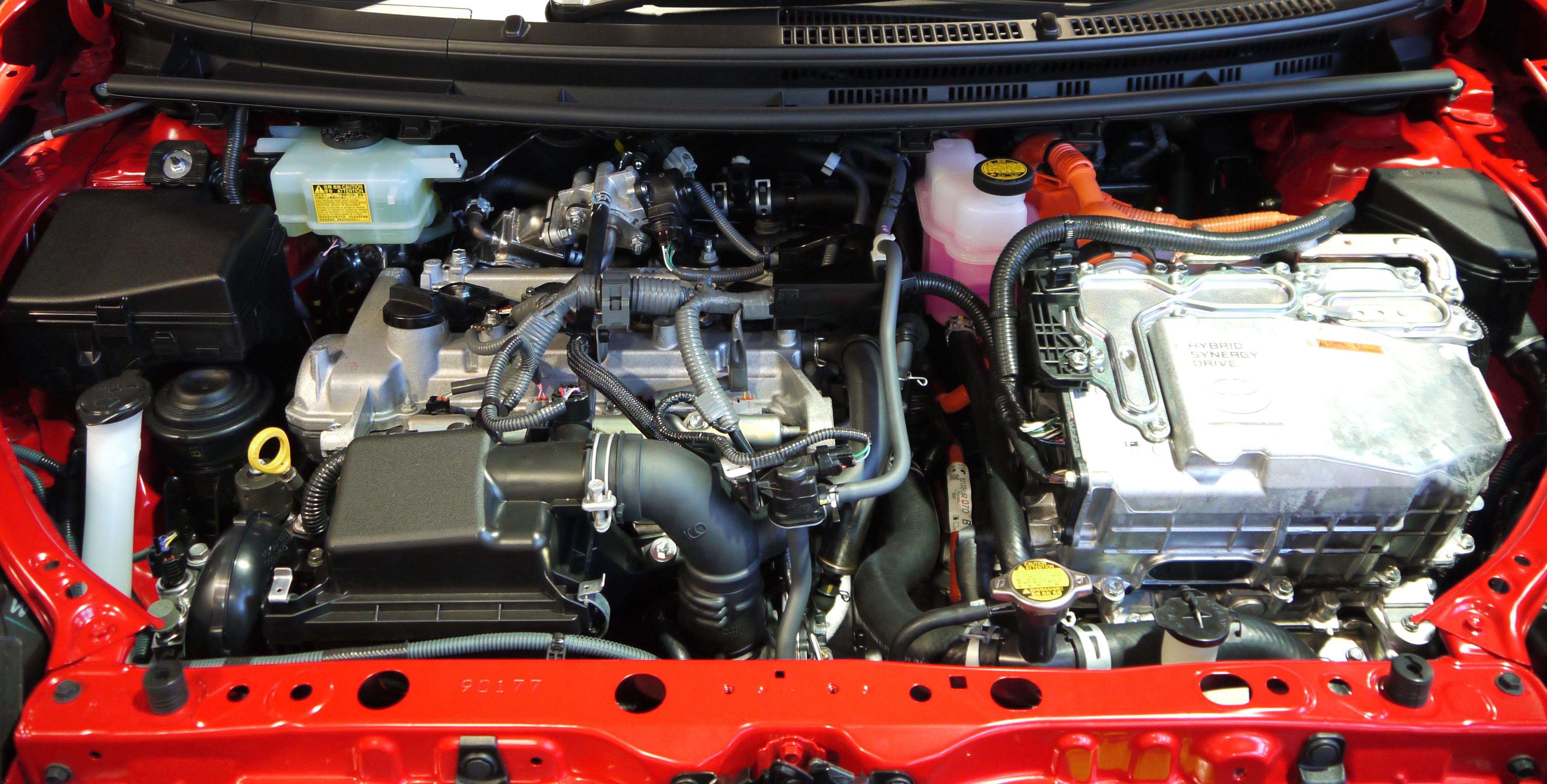 Qadya 39 S Cars And Real Time News Toyota Aqua Prius C The