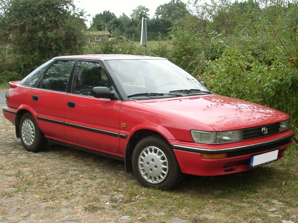 Description Toyota corolla e9 1991.jpg