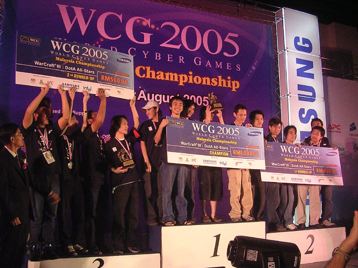 Dosya:WCG Malaysia 2005 DoTA Winners.jpg