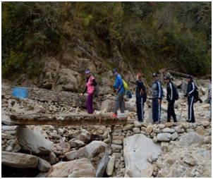 File:Women Naval Officers undertake trek to Pindari Glacier