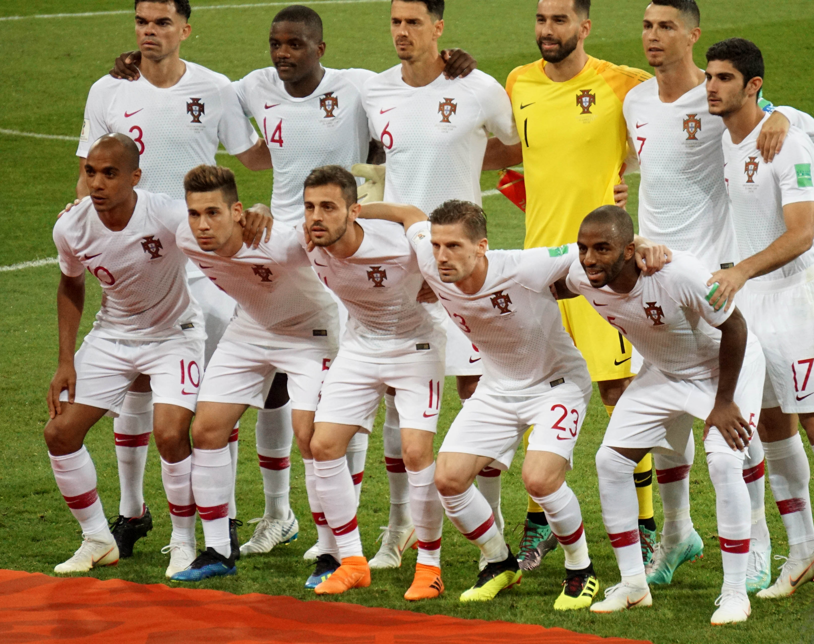сборная португалии фото игроков часть вместе дымом