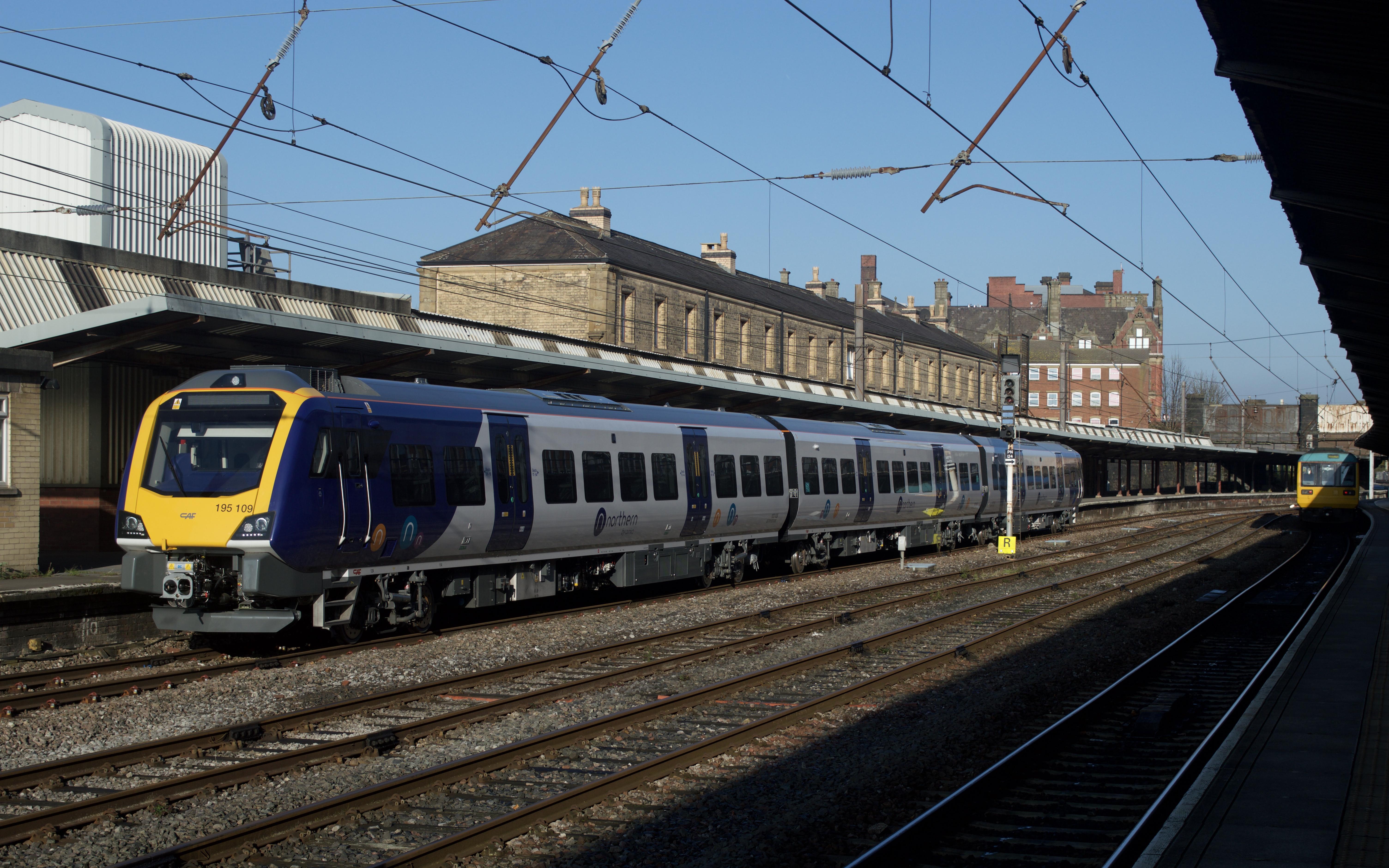 British Rail Class 195 - Wikipedia