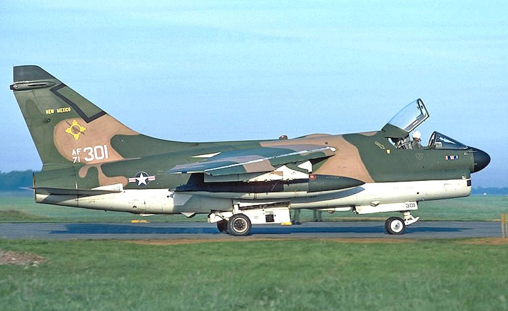 File188th Tactical Fighter Squadron A 7d 10 Cv Corsair Ii 71 0301