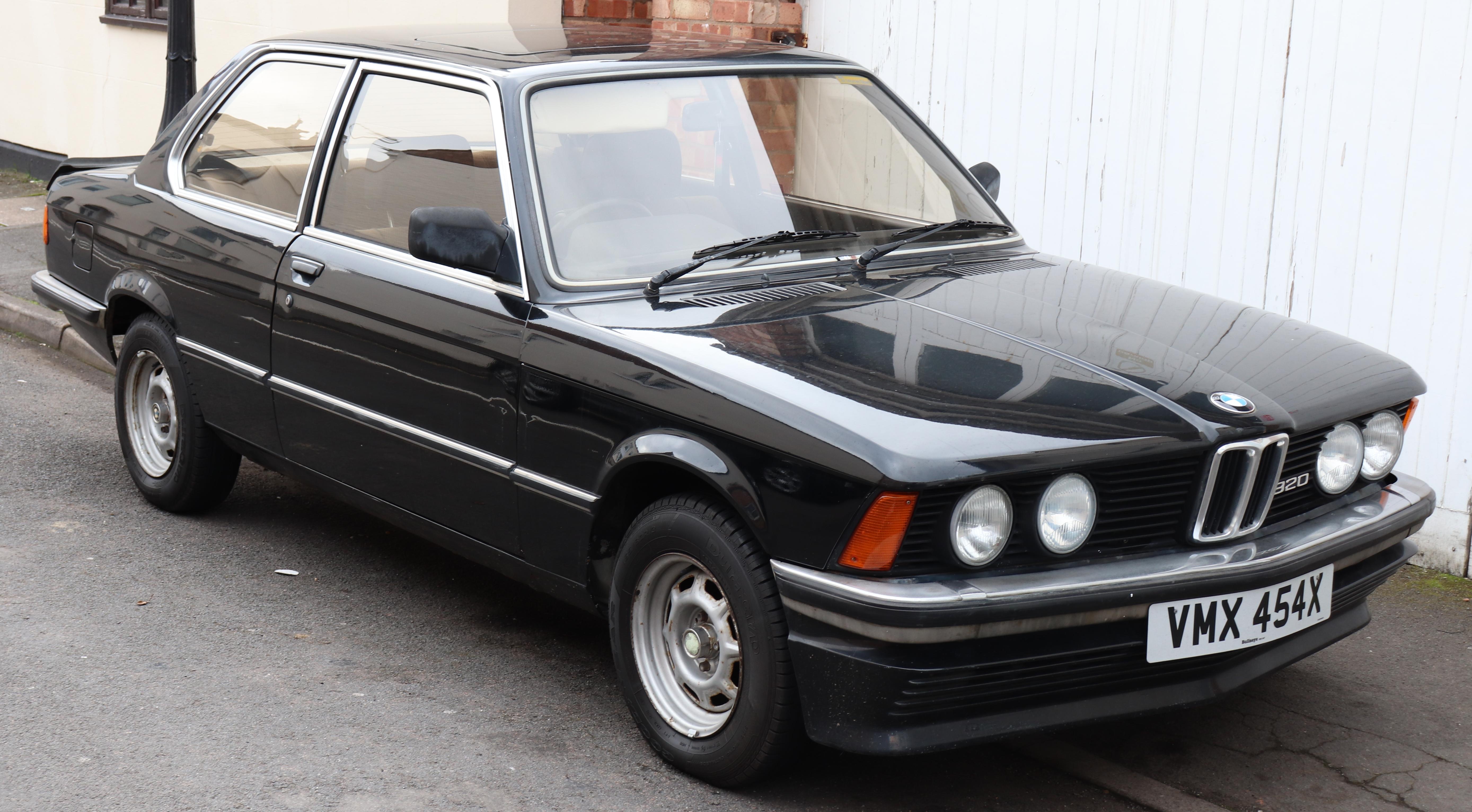 2018 - [BMW] Série 1 III [F40-F41] - Page 21 1981_BMW_320_2.0_Front
