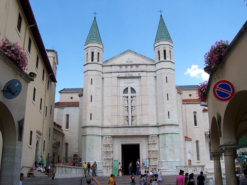 Basilica di santa rita da cascia wikipedia for Basilica di santa rita da cascia