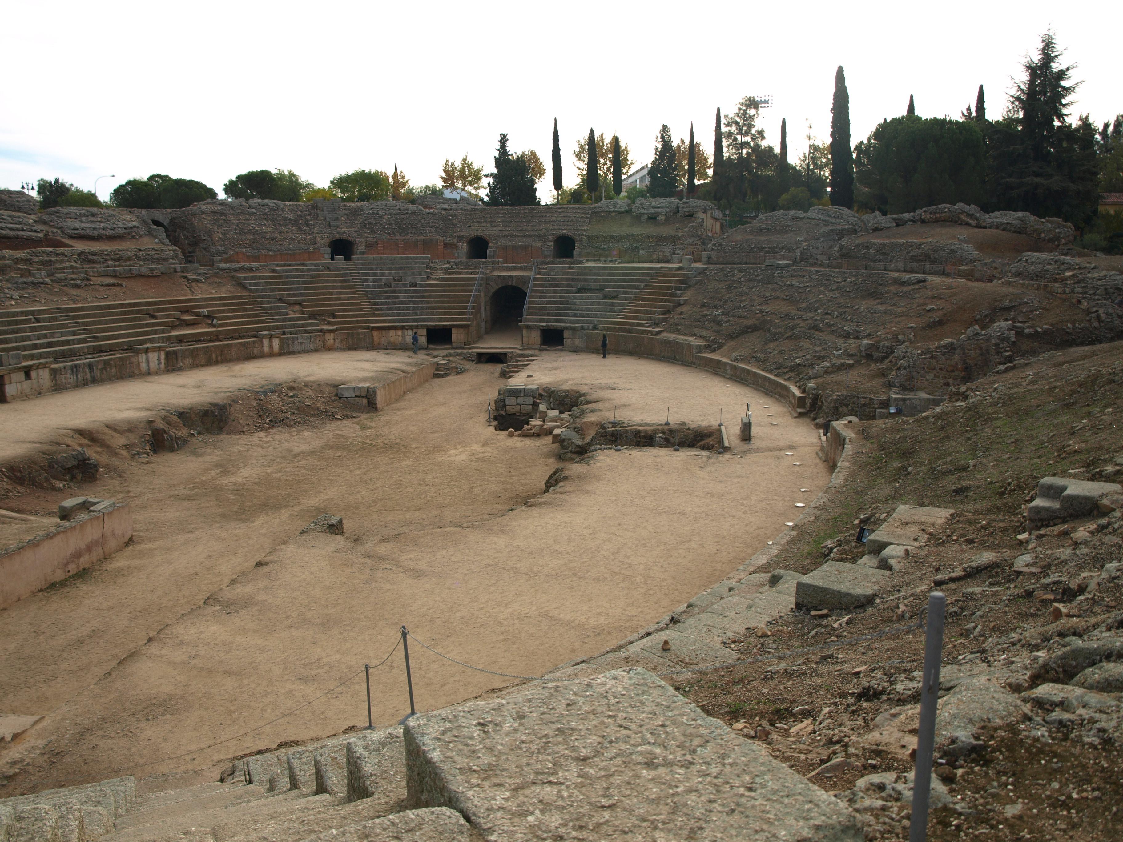 File:Anfiteatro romano de Mérida.JPG - Wikimedia Commons