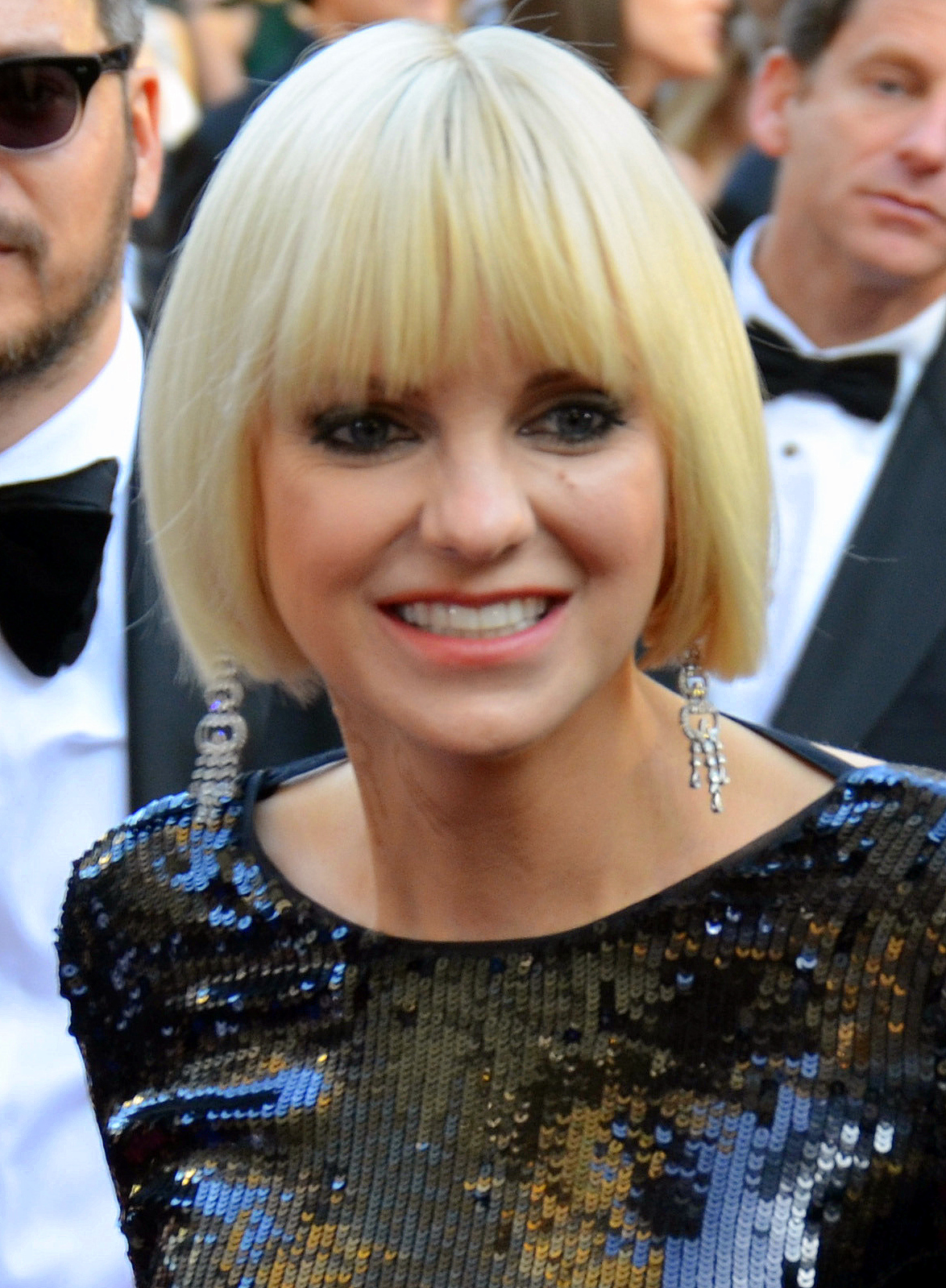 who is anna faris dating 2012 Olivia munn texts anna faris to let her know she's not dating chris pratt olivia munn texts anna faris to let her know she's not dating chris pratt.