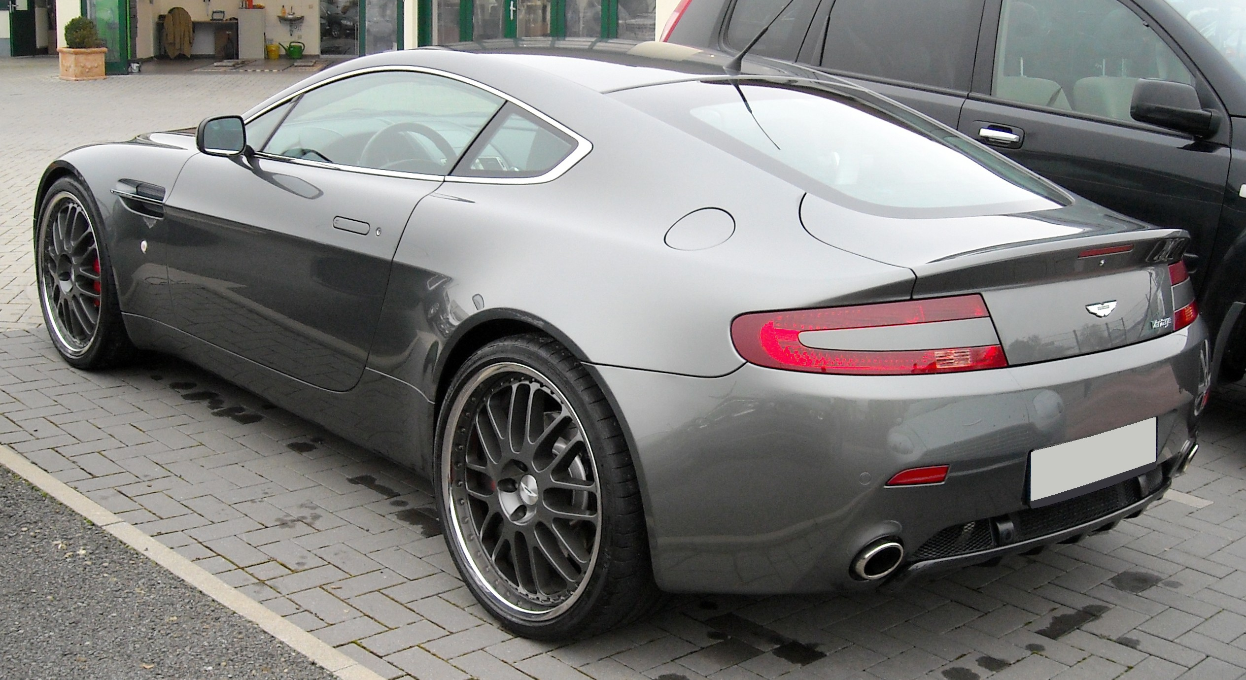 File Aston Martin V8 Vantage Rear 20081201 Jpg Wikimedia Commons