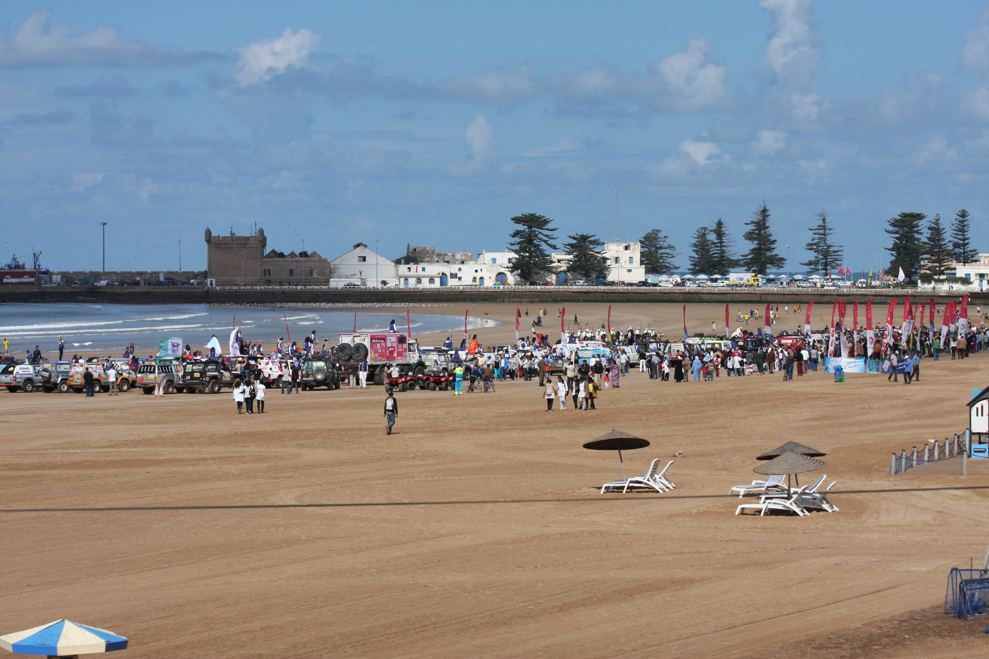 File beach essaouira wikimedia commons for Aavi maison du gps
