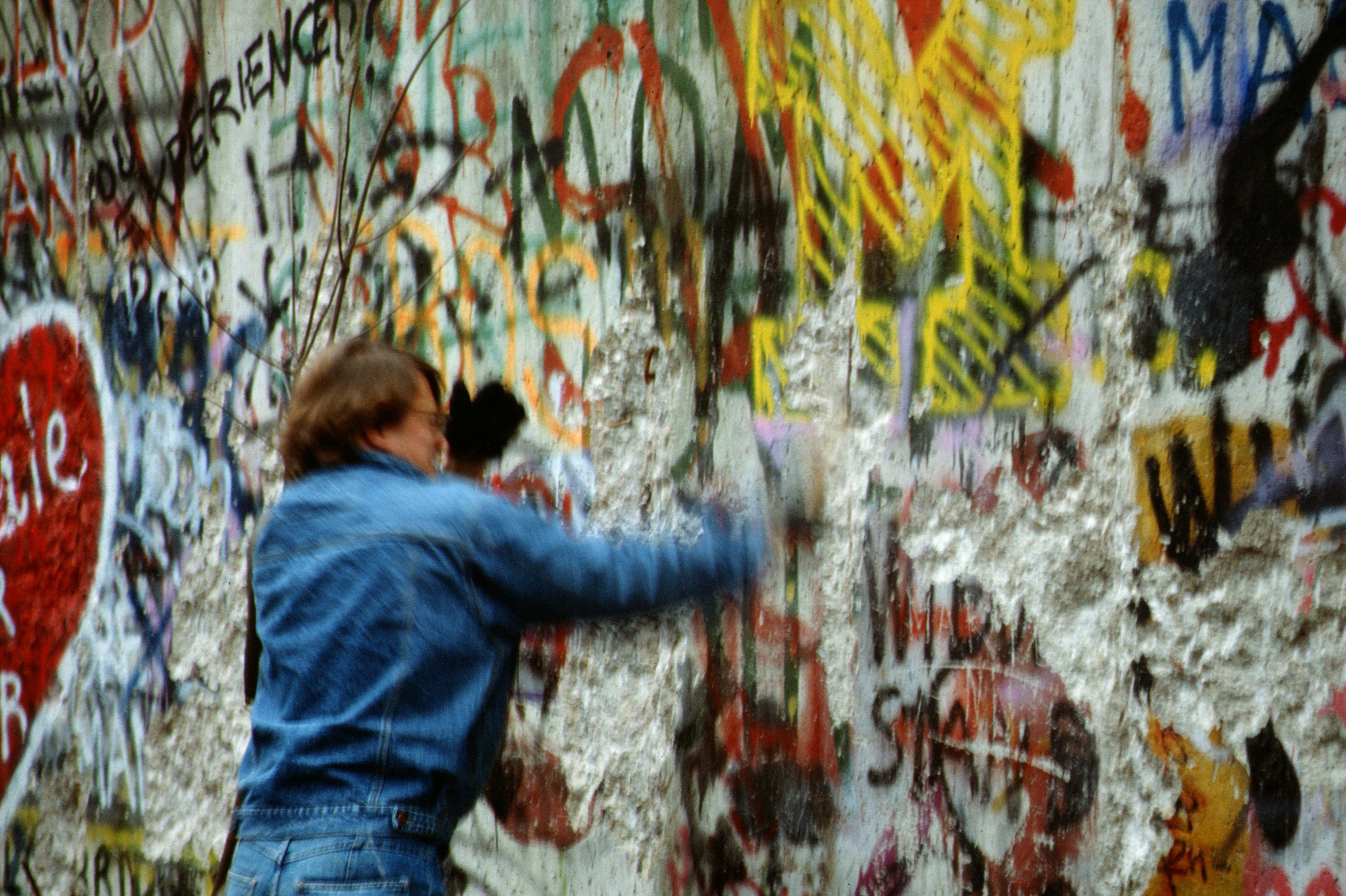 file berlin 1989 fall der mauer chute du mur. Black Bedroom Furniture Sets. Home Design Ideas