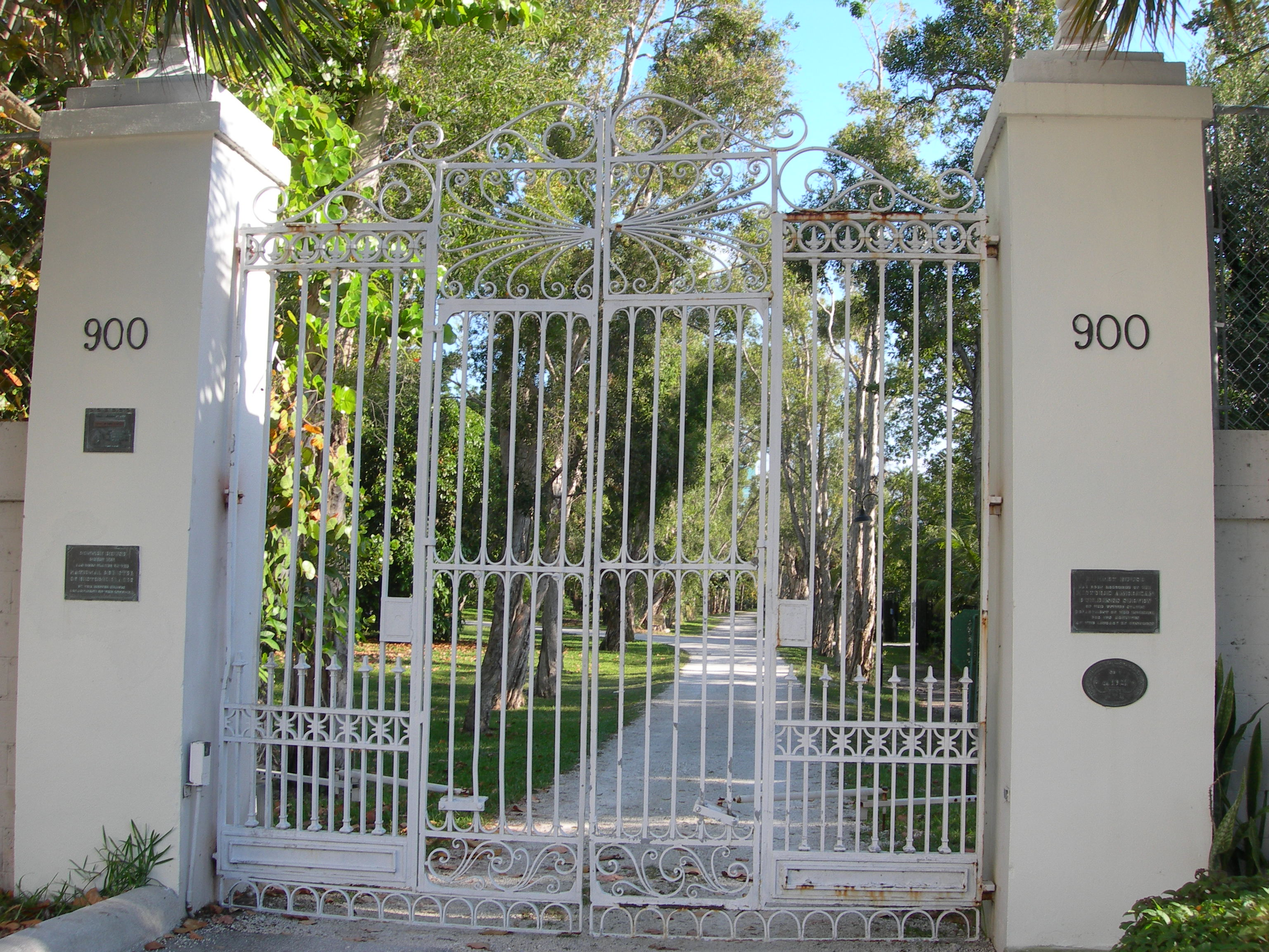 Filebonnet house gate jpg