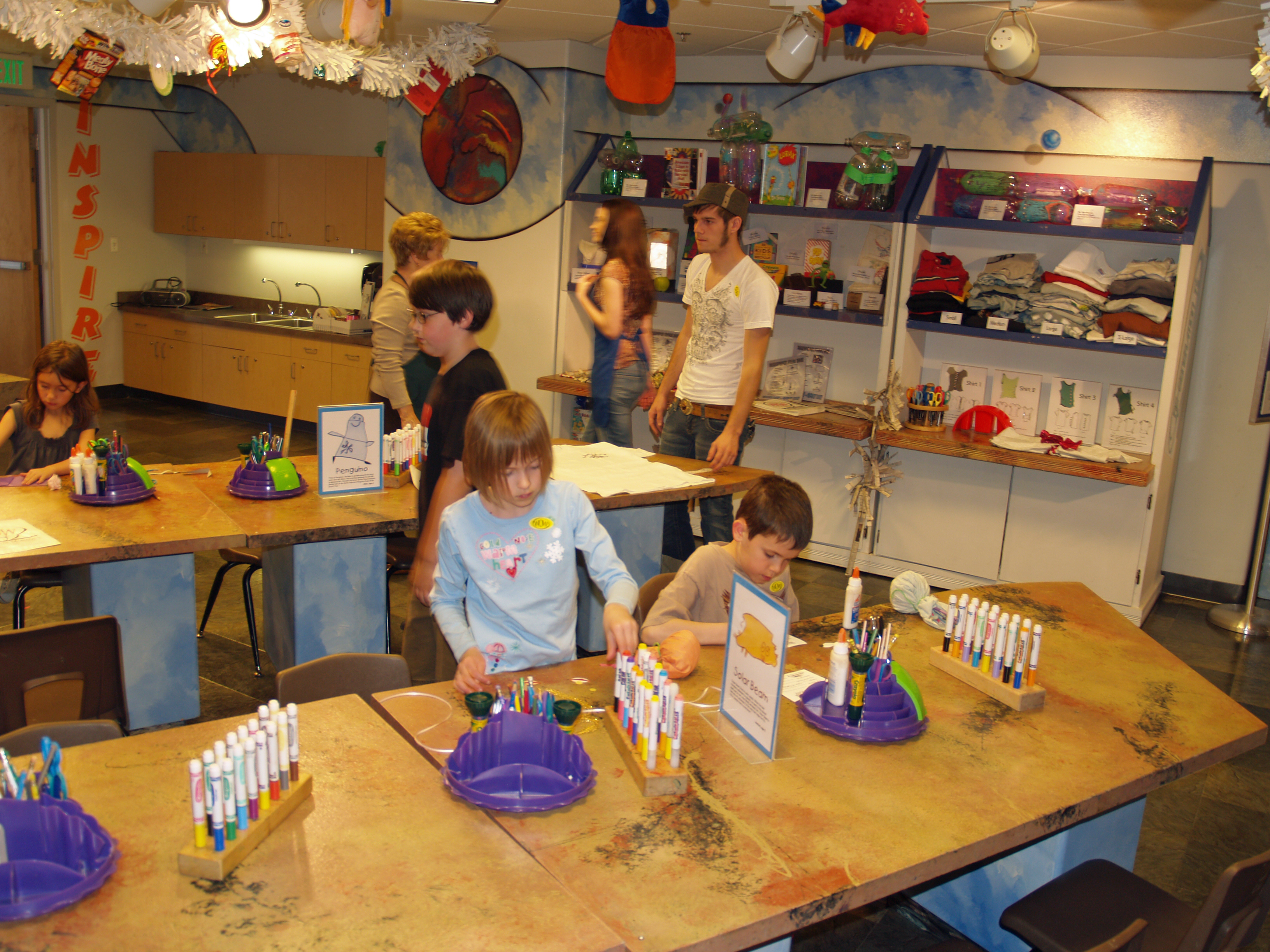File:Buell Childrens Museum Art Room by David Shankbone.jpg - Wikimedia Commons