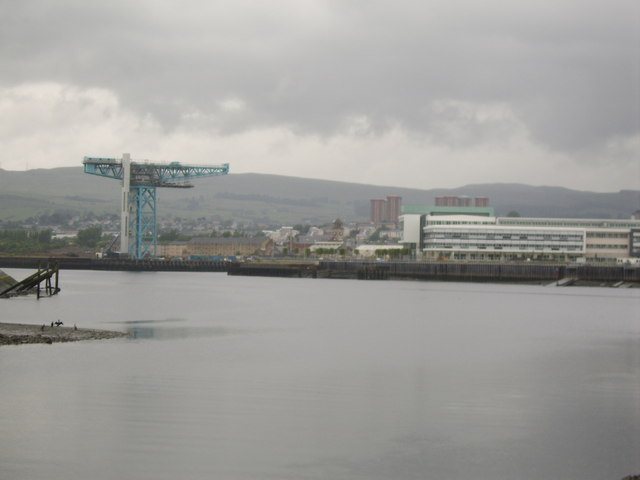 Clydebank from across the Clyde - geograph.org.uk - 482879