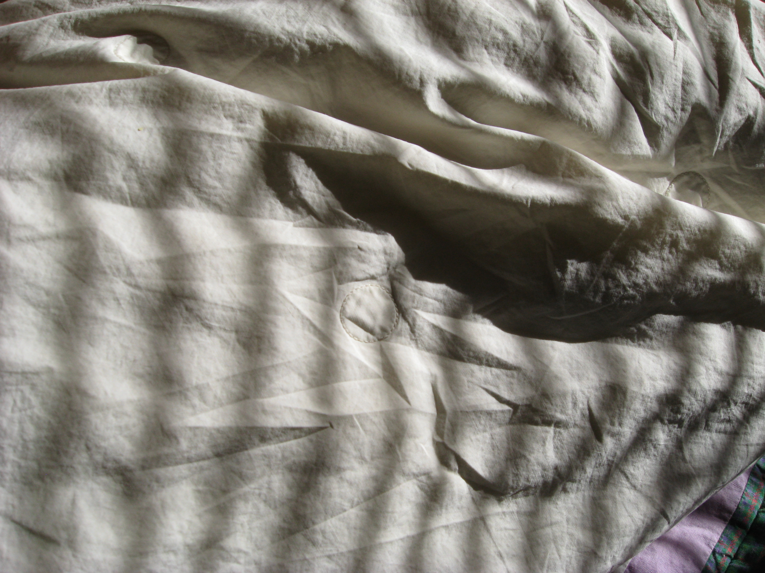 Rumpled bed sheet - File Crumpled Sleep Jpg