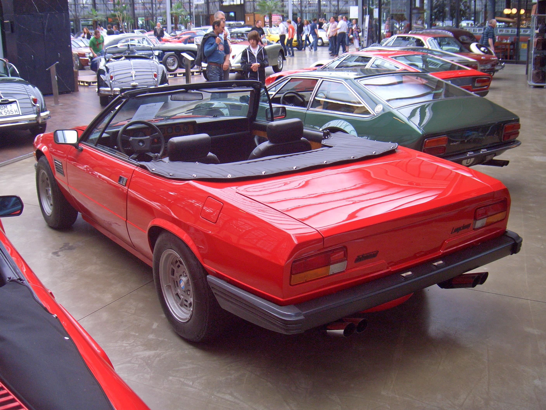 http://upload.wikimedia.org/wikipedia/commons/6/64/De_Tomaso_Longchamp_Spyder_Gen2_000_1983_backleft_2011-06-13_A_ji.jpg