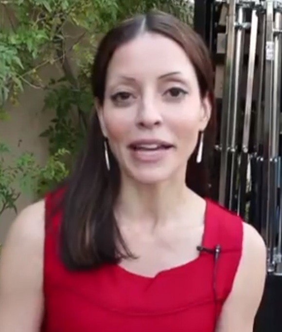 The 45-year old daughter of father (?) and mother(?) Emmanuelle Vaugier in 2021 photo. Emmanuelle Vaugier earned a  million dollar salary - leaving the net worth at 5 million in 2021