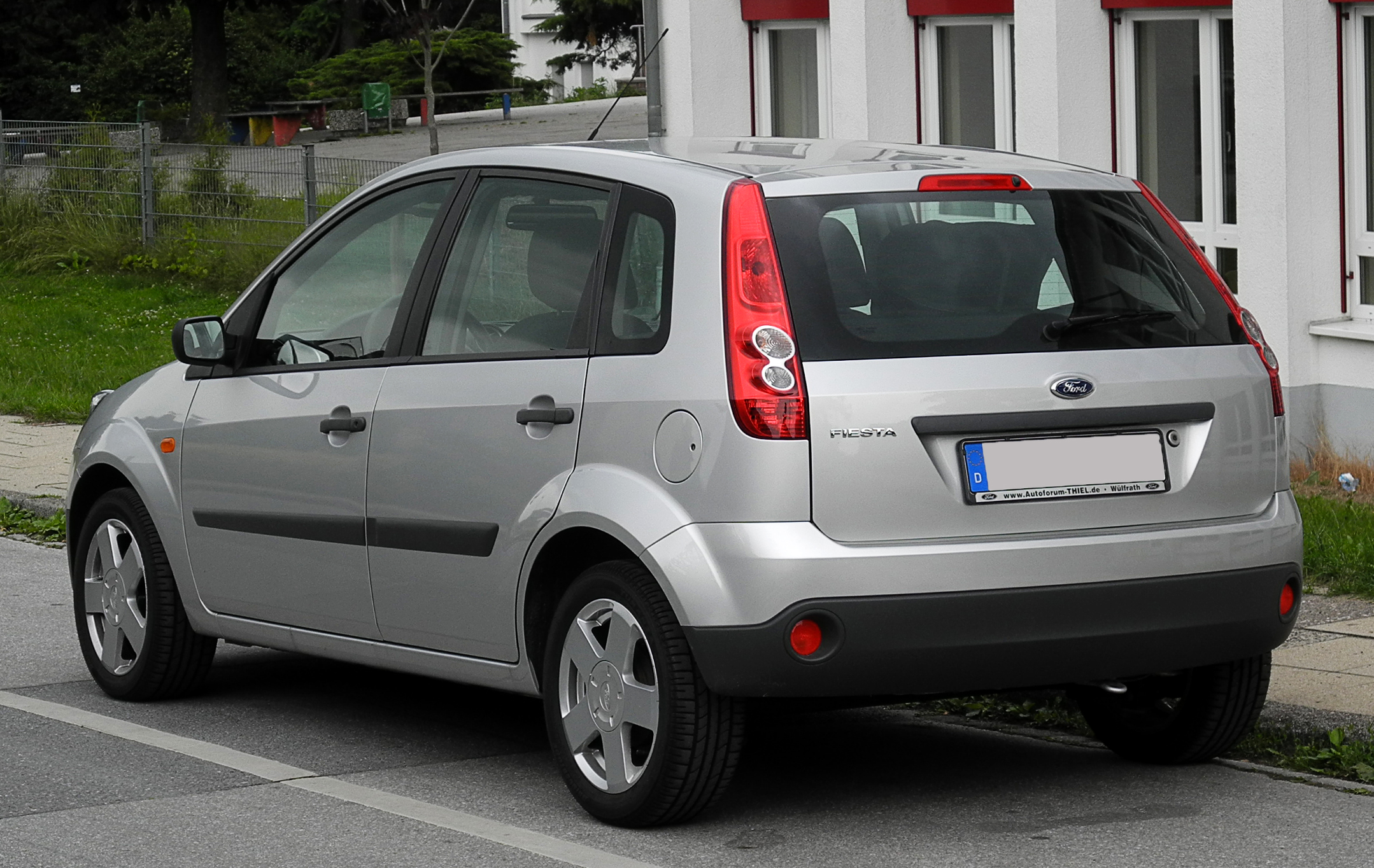 datei ford fiesta vi facelift heckansicht 17 juni 2011 w wikipedia. Black Bedroom Furniture Sets. Home Design Ideas