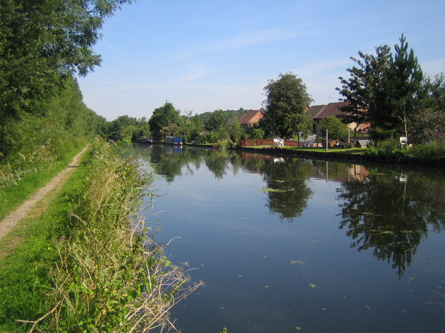 Grand Union Canal in South Harefield - geograph.org.uk - 522529