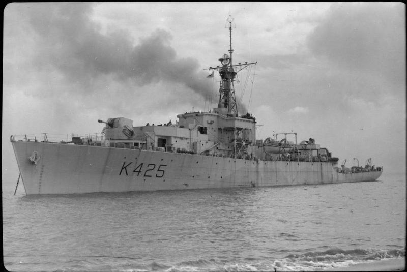 HMS_Loch_Dunvegan_1944_IWM_FL_14716.jpg