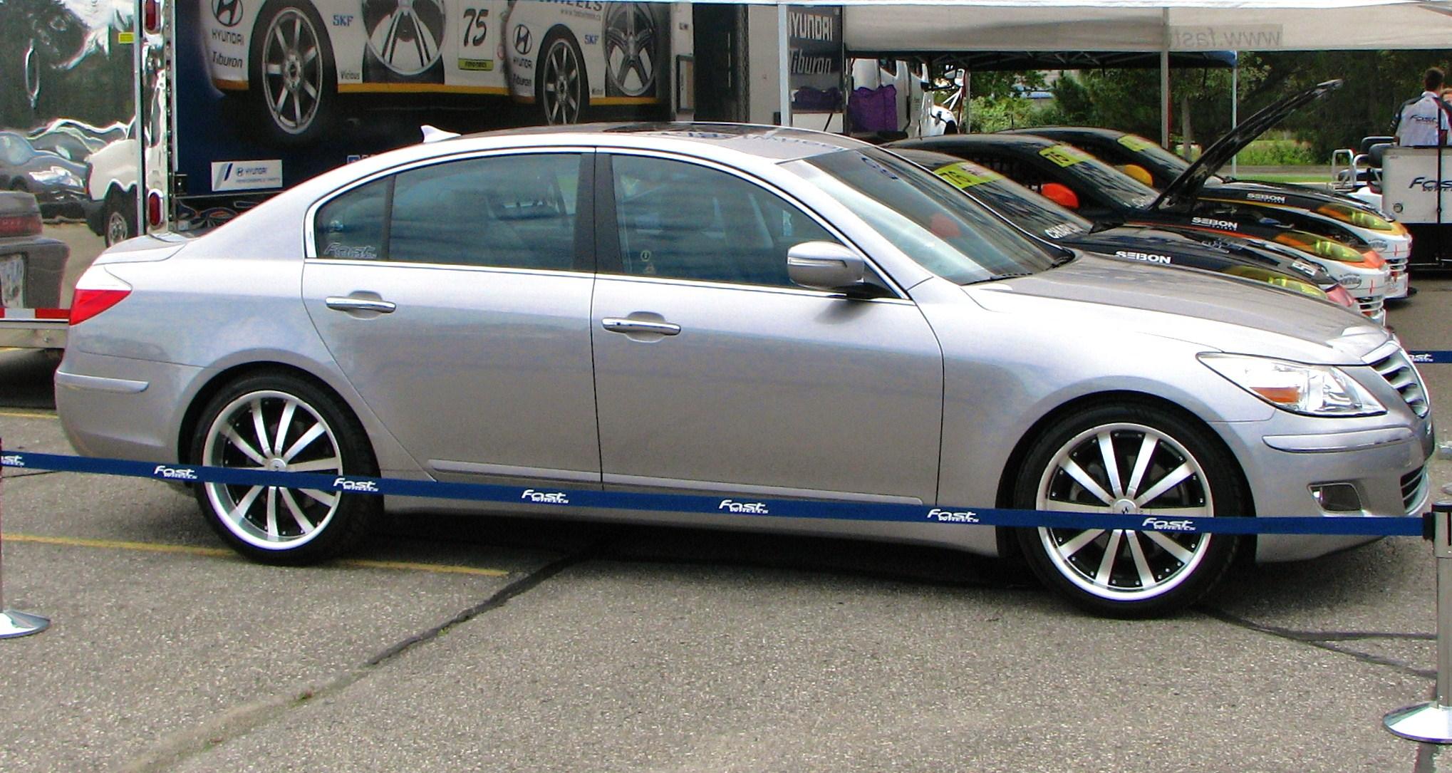 File Hyundai Genesis Sedan Jpg Wikimedia Commons