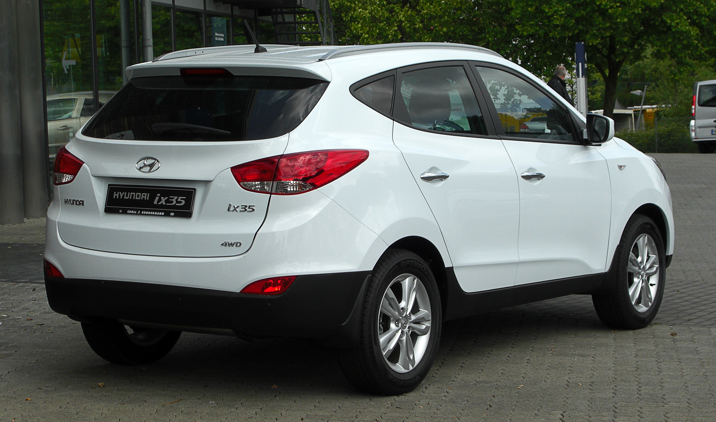 Hyundai iX35 in white