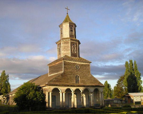Ficheiro:Iglesia de Nercón.JPG