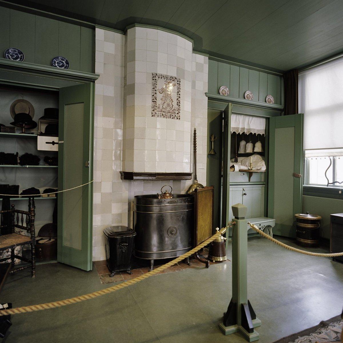 File:interieur, woonkamer met haardpartij   schagen   20388128 ...