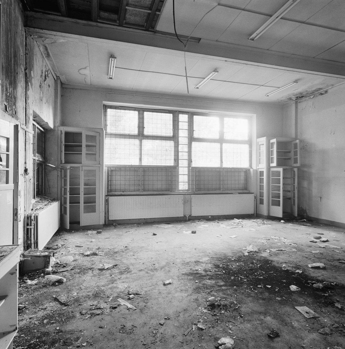 File:Interieur school, overzicht gemeenschapsruimte - Sittard ...