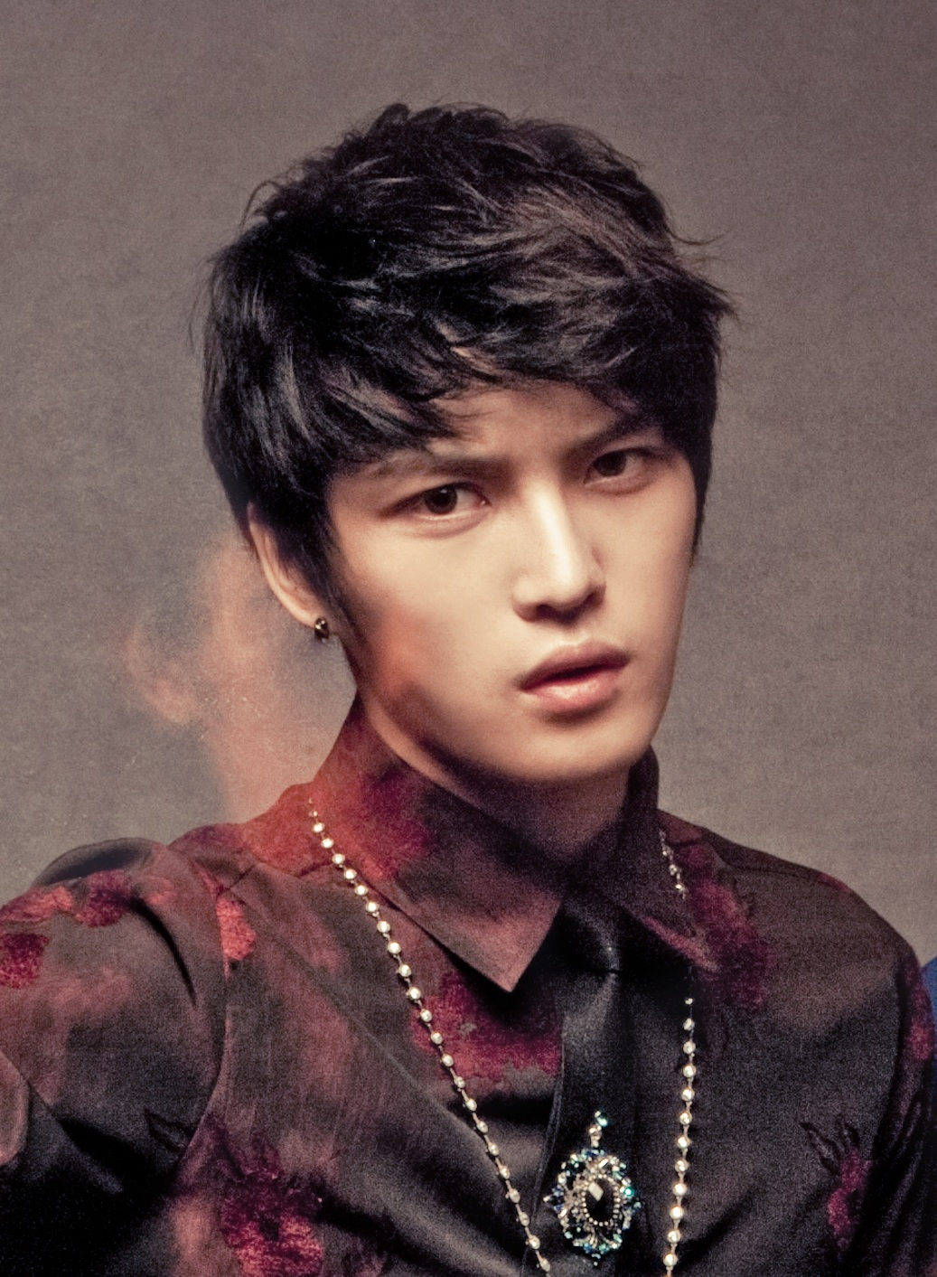 The 31-year old son of father (?) and mother(?), 178 cm tall Kim Jaejoong in 2017 photo