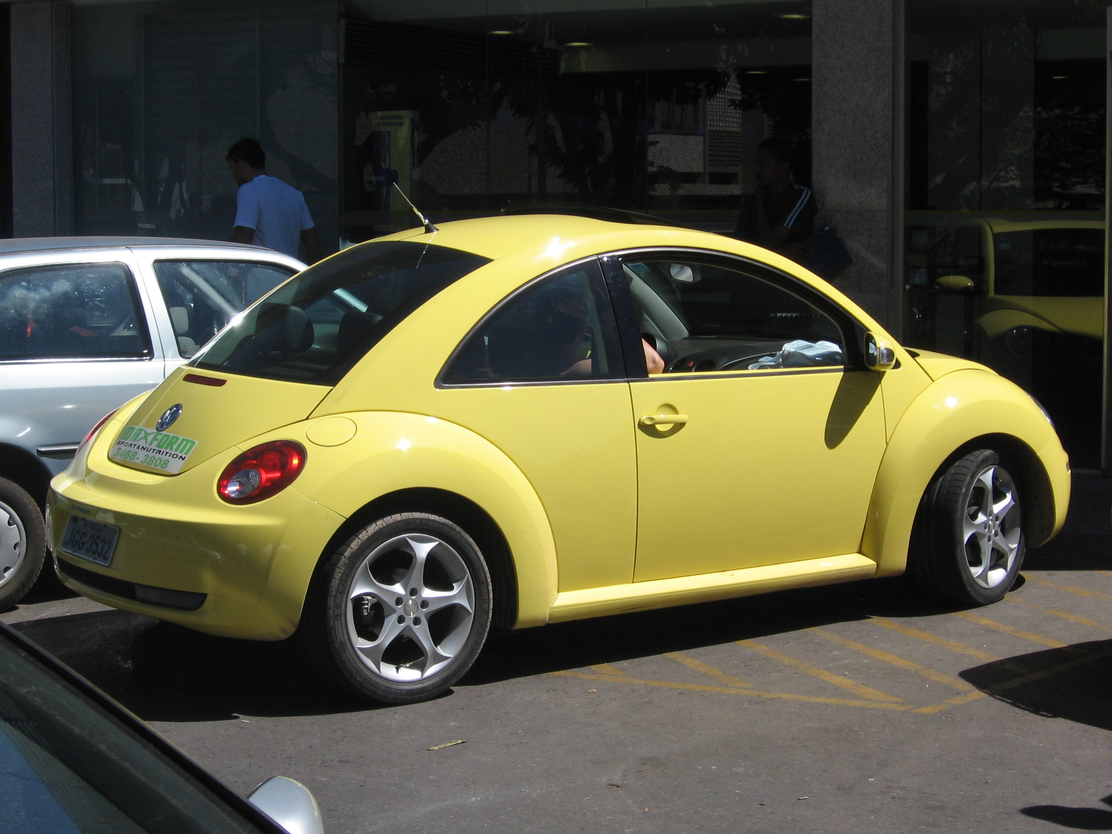 File New Beetle Amarelo1 Jpg Wikimedia Commons