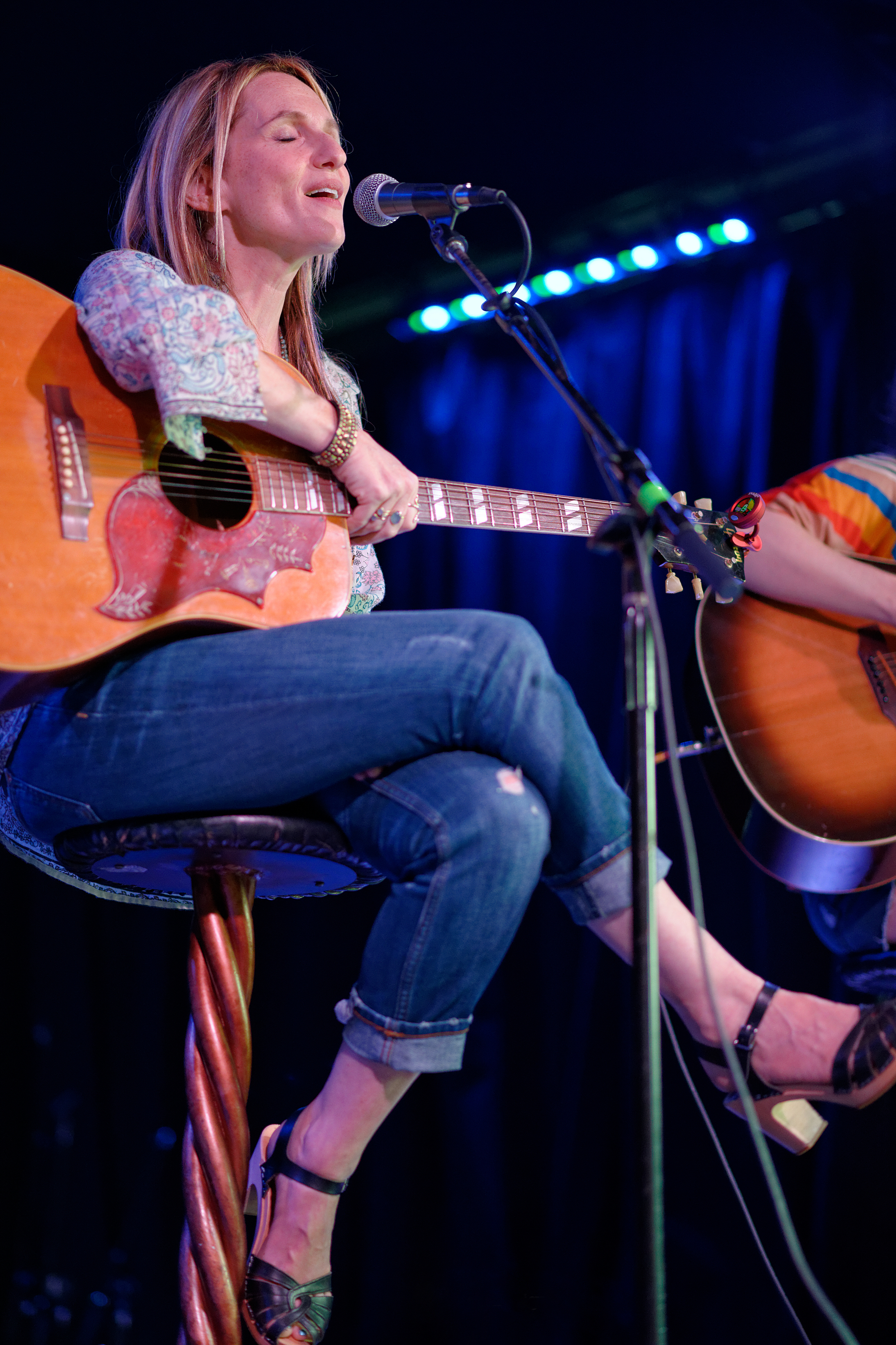 Nina Gordon performing at the Federal Bar in NoHo CA 2015.jpg