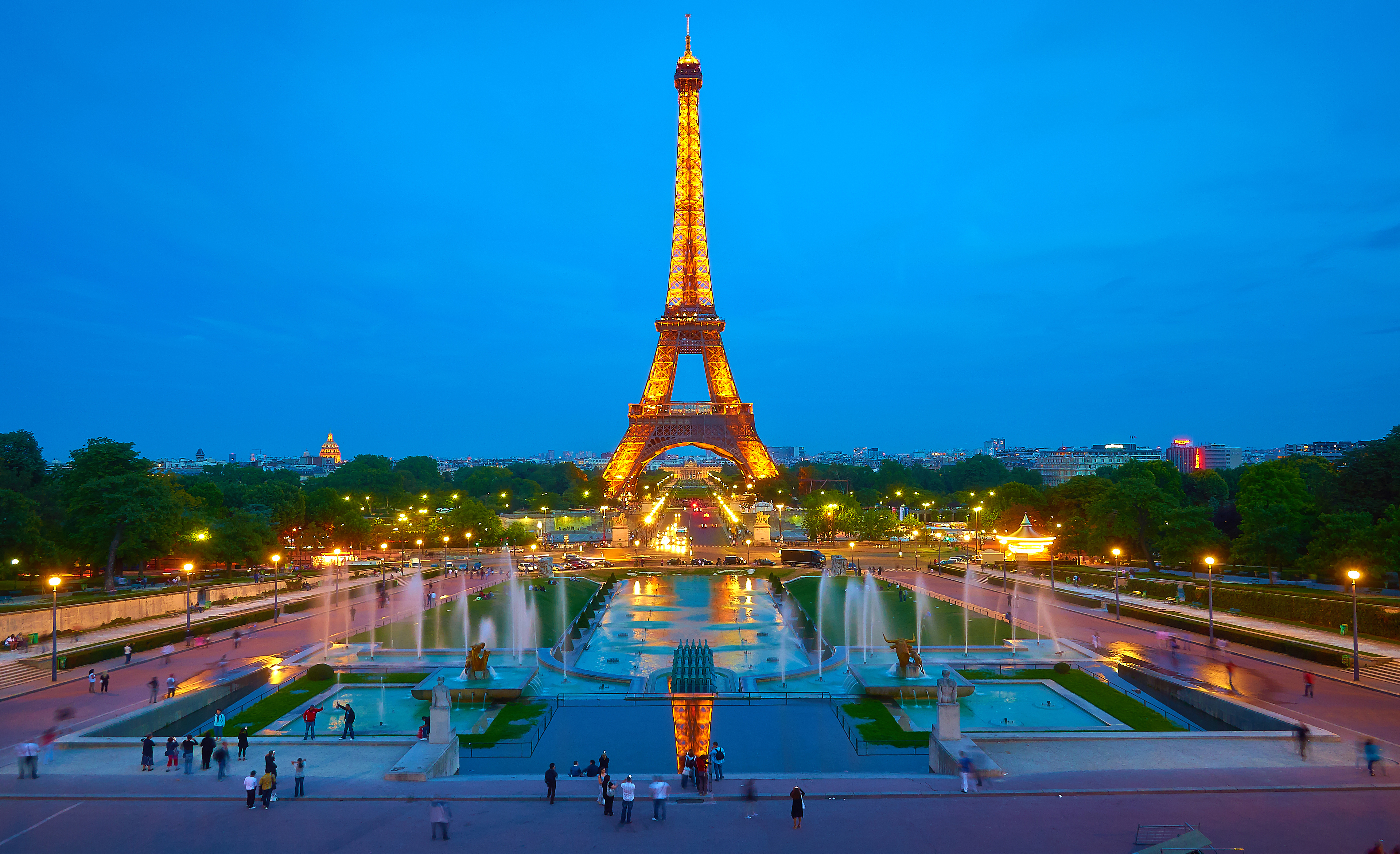 trocadero paris at night images. Black Bedroom Furniture Sets. Home Design Ideas