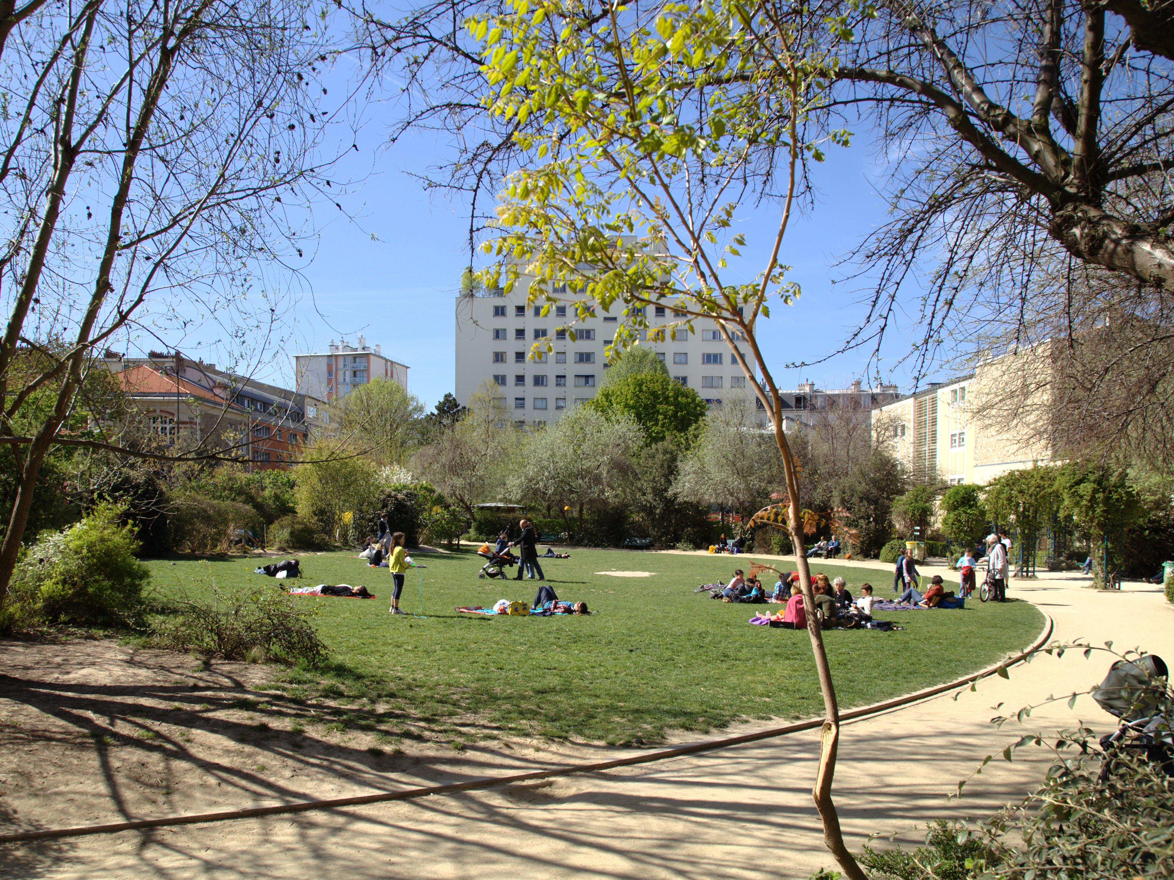 File paris jardin de la rue de wikimedia for Jardin 122 rue des poissonniers