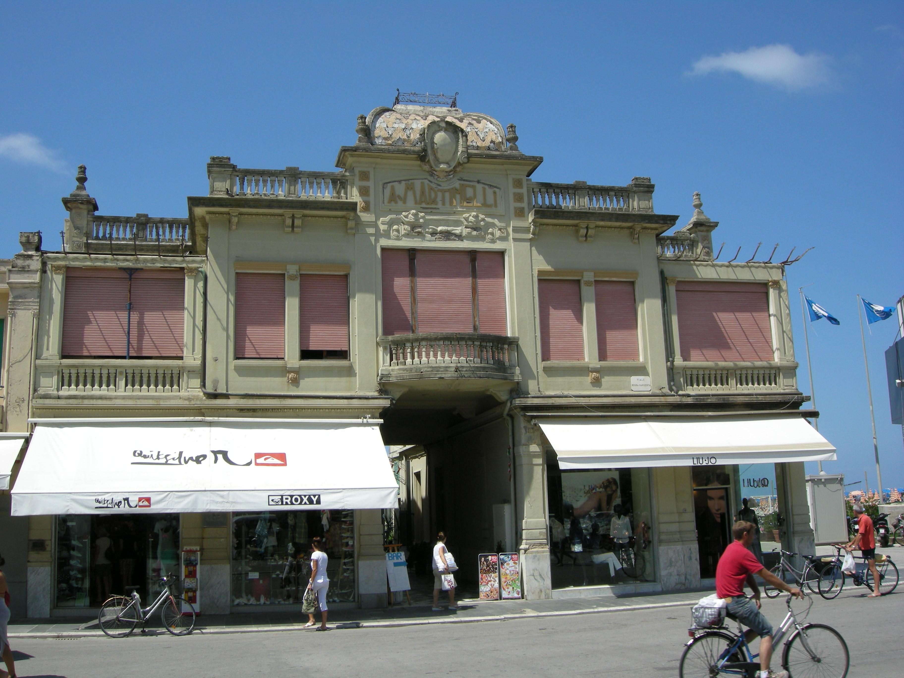 File passeggiata di viareggio 17 bagno martinelli jpg wikimedia commons - Bagno amedea viareggio ...