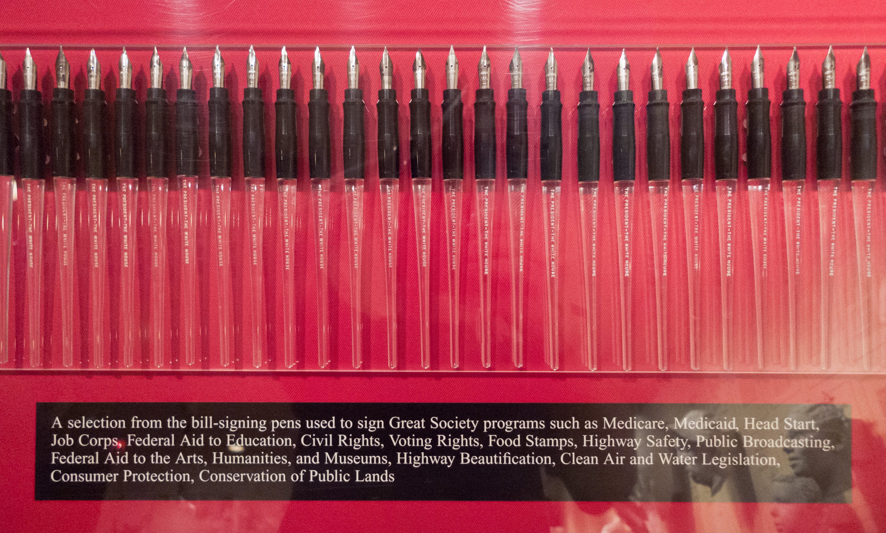 File:pens Used To Sign Civil Rights Legislation By Lbj Lbj Library, Austin