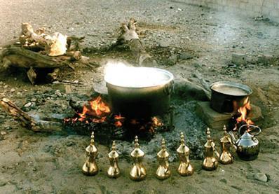 הכנת הקפה הבדואי על האש