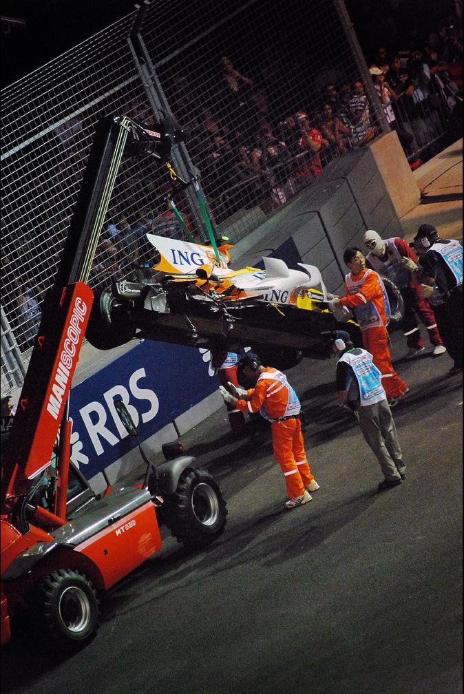 De wagen van Piquet Jr. na de crash. Het is het begin van crashgate.