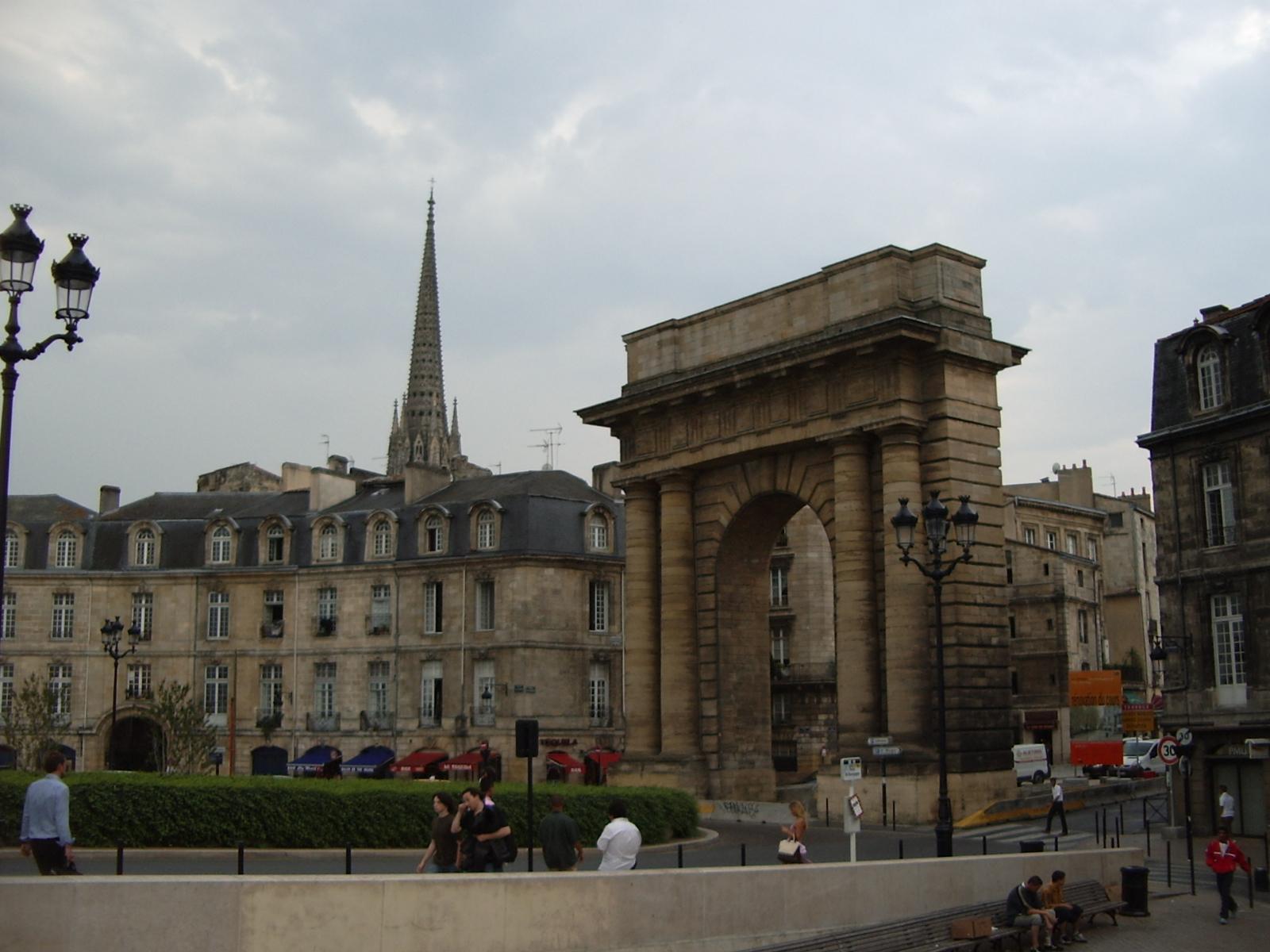 file porte bourgogne bordeaux jpg wikimedia commons