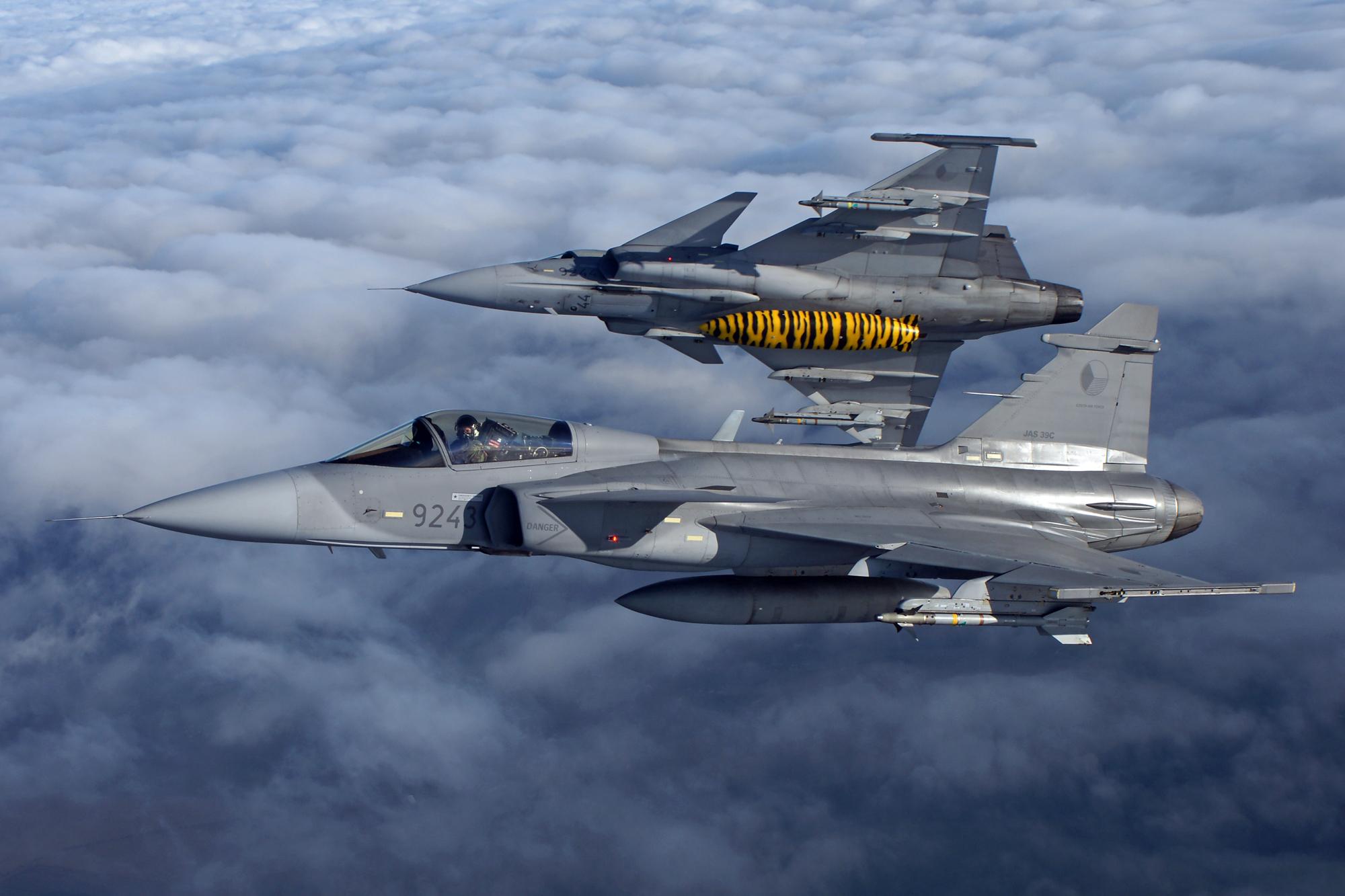 File:Saab JAS-39 Gripen (Czech Air Force) (6417853785).jpg - Wikimedia Commons