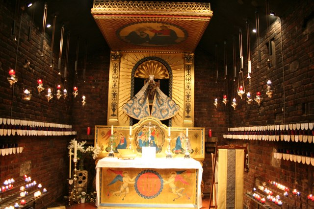 File:Shrine of Our Lady of Walsingham - geograph.org.uk - 575011.jpg