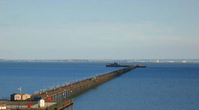 Southend Pier - geograph.org.uk - 499976